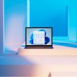 интерфейс Windows 11 на экране ноута